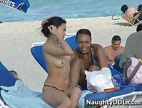 Hot chicks at nude beach