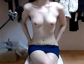 korean girl come and show her perfect body. full video