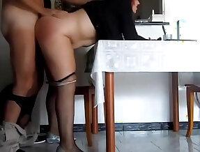 Mamma italiana troia inculata da figliastro