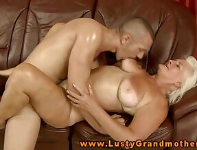 Amateur gets fucked