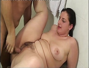 Wet chubby girl her ass banged in the bathtub