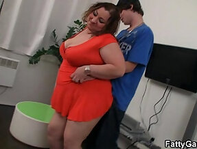Fatty lures him and takes it from behind