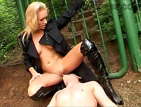 Mistress Lera at the Gate FULL