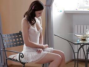 Shaving and peeing Anita
